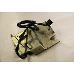 0552188 - 8G0825396D - Lock right Audi Cabriolet Bj 92-00